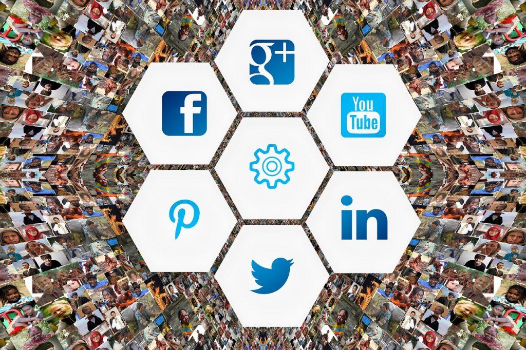 Freelancing - social media 3129481 1280