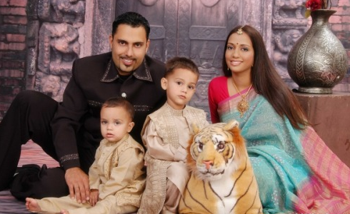 What to wear for a family photo shoot – A Guideline by professional photographers in Dubai