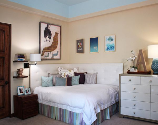 Freelancing - Cozy Corner Bed For Small Spaces