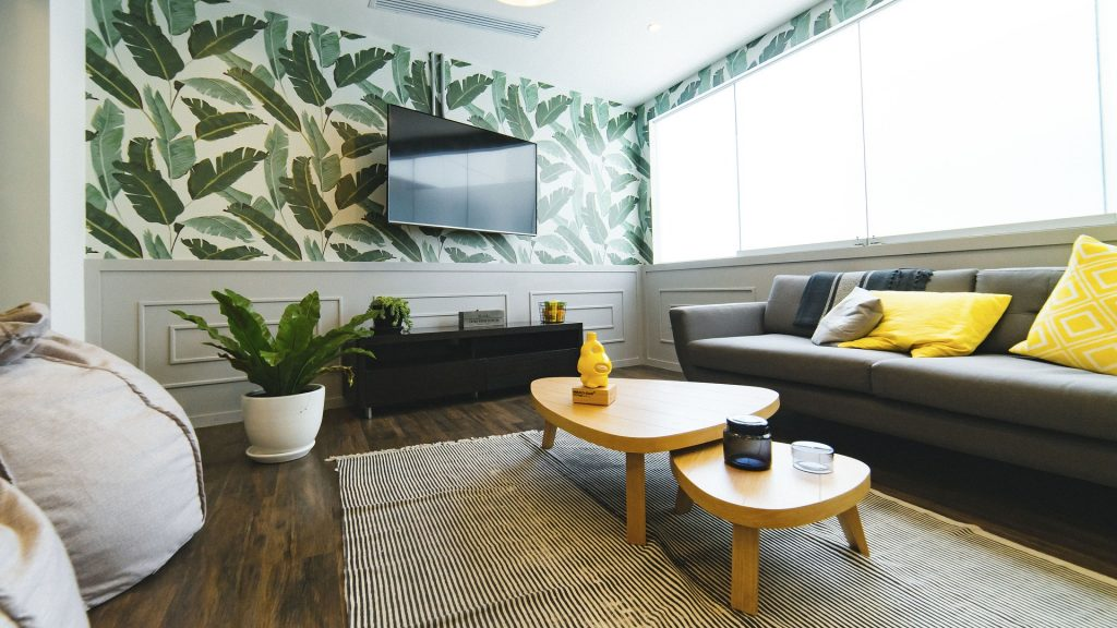 Freelancing - living room 2583032 1920